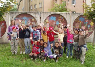 Maľba farebnými kriedami na plot