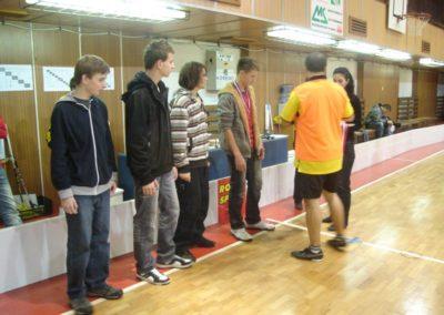 NONSTOP 24 hodinový turnaj vo florbale